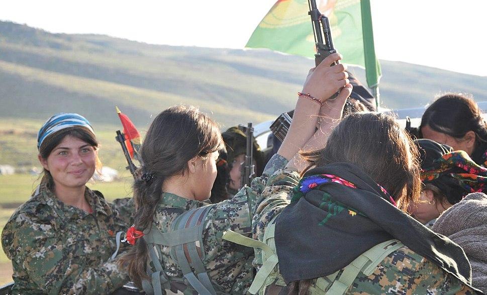 Female Yezidi resistance fighters - YJ%C3%8A