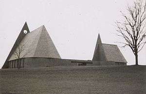 First Baptist Church (Columbus, Indiana) - First Baptist Church in the mid-1960s