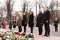 Flickr - Saeima - Baltijas valstu un Polijas parlamentārieši noliek ziedus pie Brīvības pieminekļa (1).jpg