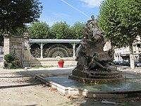 Fontaine place Amédée-Larrieu - 20110909 (4).jpg
