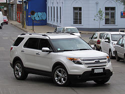 Ford Explorer Limited 3.5 2014 (12447184674).jpg