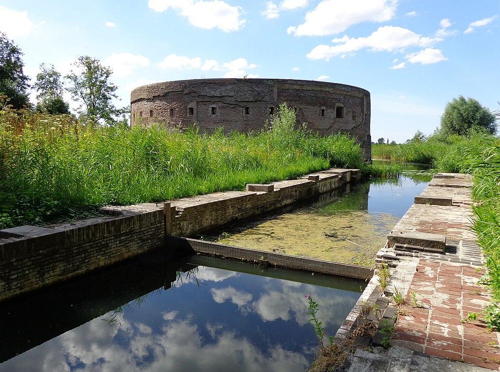 Fort Uitermeer Toren met Schutsluis