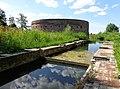 Fort Uitermeer Toren met Schutsluis.jpg
