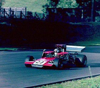 Frank Gardner (racing driver) - Gardner at the wheel of his Lola T300 F5000 car, during the 1971 World Championship Victory Race at Brands Hatch. This is the same car with which he later won the 1972 New Zealand Grand Prix (chassis HU1)