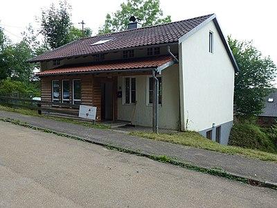 Freizeitheim Mehrstetten mit Eingang.jpg