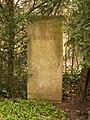 Göttingen-Grave.of.Max.Planck.jpg