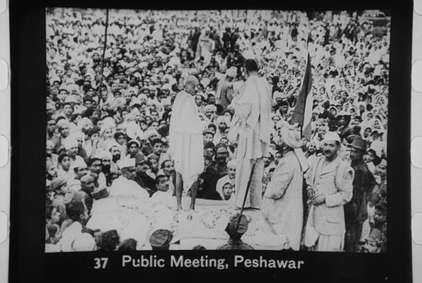 Bacha Khan & Gandhi meeting Khudai Khitmatgar activists Gandhi at Peshawar meeting.jpg