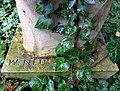 Grab Max Schlüter (EgonLissow WillyNeu) FriedhofOhlsdorf (5).jpg