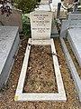 Graf van Menno ter Braak op begraafplaats Oud Eik en Duinen te Den Haag.jpg