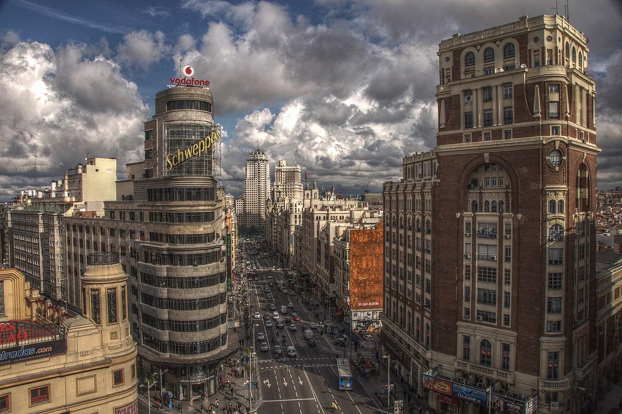 Archivo:Gran Vía (Madrid) 1.jpg - Wikipedia, la enciclopedia libre