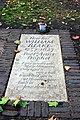 Grave of William Blake, Bunhill Fields (44881126831).jpg