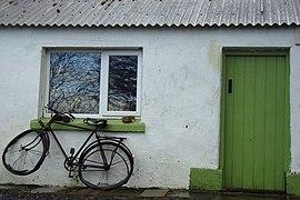 Green door, Drumnalost - geograph.org.uk - 1124498.jpg