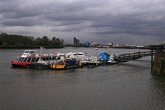 Greenwich Pier - Image: Greenwich pier 4