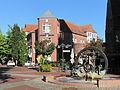 Gronau, sculptuur bij Neustraße-Döhrmannplatz foto16 2013-09-28 10.15.jpg