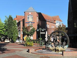 Gronau, North Rhine-Westphalia - Image: Gronau, sculptuur bij Neustraße Döhrmannplatz foto 16 2013 09 28 10.15