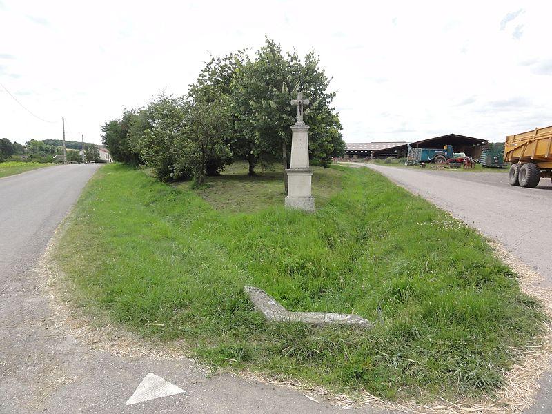 Halloville (M-et-M) croix de chemin