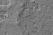 HiRISE image of MSL during EDL.png