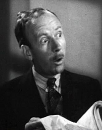Hobart Cavanaugh - in the film I Cover the Waterfront (1933)