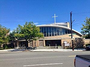 Holy Cross Church (Bronx) - Image: Holy Cross Roman Catholic Church, Bronx IMG 2572 HLG
