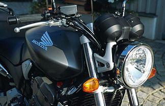 Honda Hornet 900 3.jpg