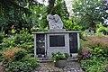 Hornau, Friedhof, Kriegsopfergedenkstätte.JPG