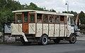 Hortobágyi Vadaspark safari bus.jpg