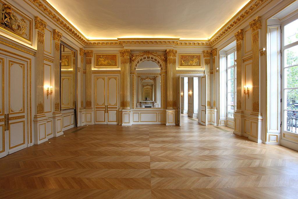 Salon interiors joy studio design gallery best design for Grand salon design