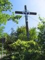 Hum-Cross-01.jpg