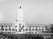Inaugurazione Littoria kun amasigita parado en 1932