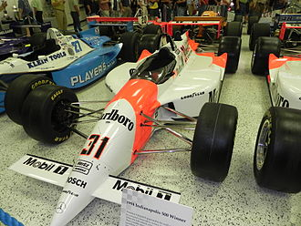 1994 PPG Indy Car World Series - Image: Indy 500winningcar 1994