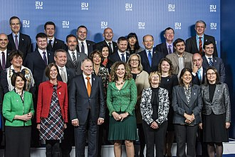 Edith Schippers - Schippers surrounded by the other Health ministers of the EU in Amsterdam, 2016
