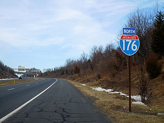 Interstate 176 - I-176 first northbound shield in Caernarvon Township