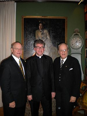 Åke Bonnier - Bonnier with college President Jack Ohle at a 2009 Gustavus Adolphus College luncheon in Stockholm