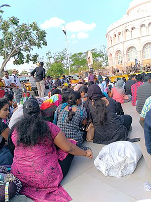 2017 pro-jallikattu protests - Women protesting at Vivekananda House in Chennai