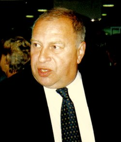 Jerzy Stuhr2.jpg