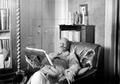 João Chagas nas suas horas de leitura, c. 1910-11.png