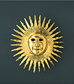 Johann Melchior Dinglinger - Sun mask with facial features of August II (the Strong) as Apollo, the Sun God - Google Art Project.jpg