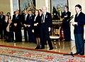 José María Aznar interviene durante el acto de entrega de las medallas de oro al Mérito en el Trabajo. Pool Moncloa. 9 de diciembre de 1996.jpeg