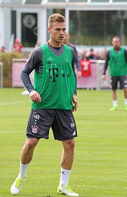 Joshua Kimmich Training 2017-05 FC Bayern Muenchen-3