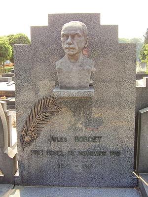 Jules Bordet - Jules Bordet's grave in Ixelles Cemetery