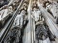 Kölner Dom portal statues 2.jpg