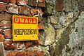Kamieniec, zřícenina hradu, pozor, nebezpečí.jpg