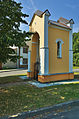 Kaplička se sochou Panny Marie v Očekávání, Třebčín, Lutín, okres Olomouc (02).jpg