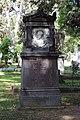 Karl Etzel, Grabmal auf dem Pragfriedhof Stuttgart.jpg