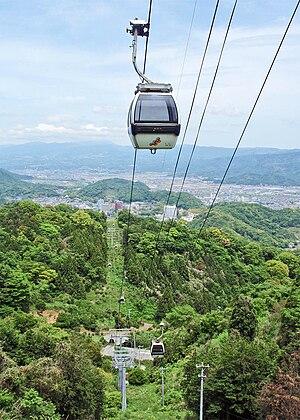 Izunokuni Panorama Park Ropeway - Image: Katsuragiyama Ropeway 20100518