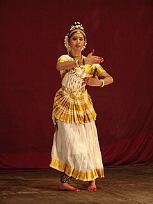 woman dances 123 hours guinness,Mohiniyattam,Kalamandalam Hemalatha,Kalamandalam Hemalatha practiced 10 hours a day,Mohiniyattam eight classical dance forms