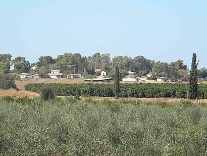 How to get to כפר מרדכי with public transit - About the place