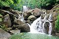 Khoang Xanh Suoi Tien suoi thac 02.jpg