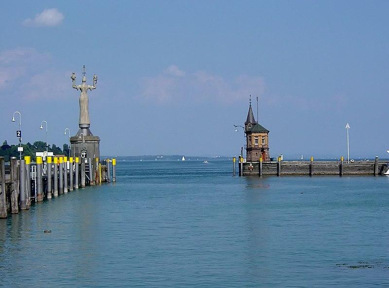 Datei:Konstanz Hafeneinfahrt.jpg