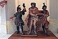 Kostel svatého Mikuláše - barokní sochy 1.jpg